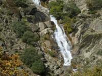gargantas de agua cristalina, cascadas, charcas 10