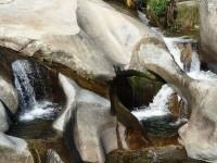 gargantas de agua cristalina, cascadas, charcas 5