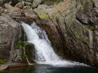 gargantas de agua cristalina, cascadas, charcas 7