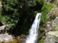 gargantas de agua cristalina, cascadas, charcas 9